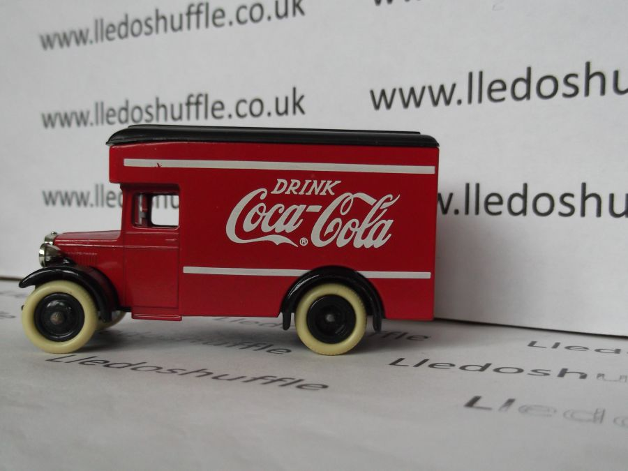 DG16011, Dennis Parcels Van, Drink Coca Cola