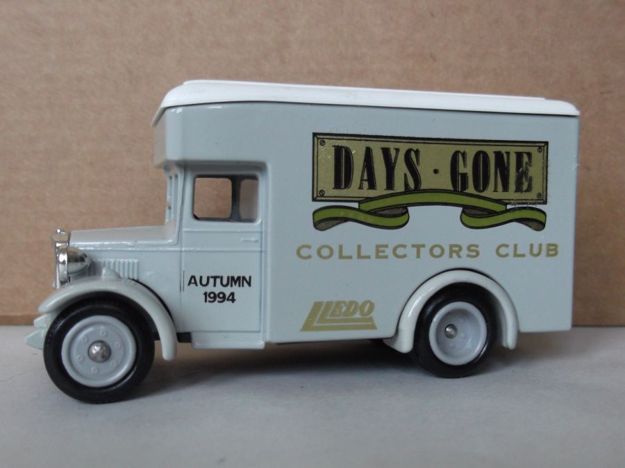 DG16038, Dennis Parcels Van, Club Autumn 1994