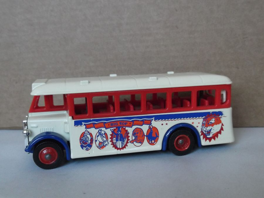 DG17009, AEC Regal Coach, Big Top Circus