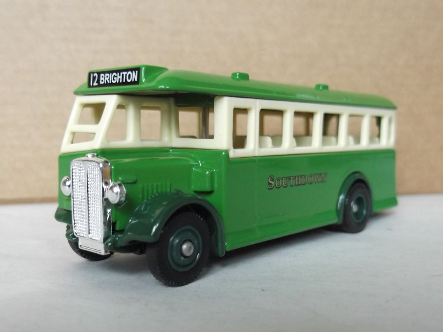 DG17027, AEC Regal Coach, Southdown