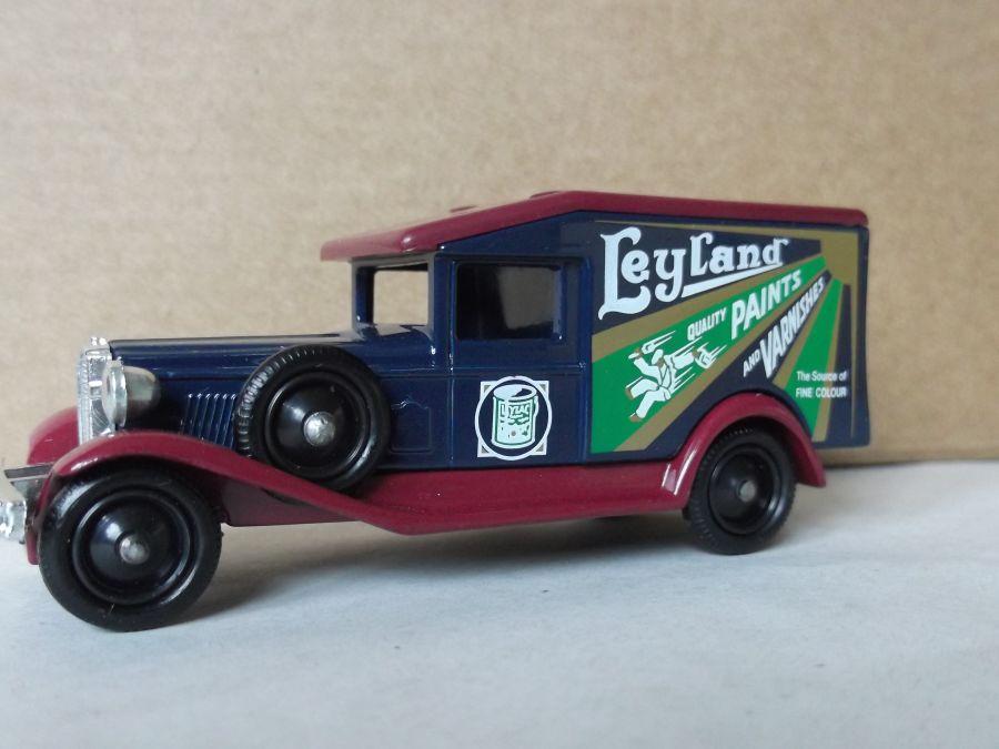 DG18016, Packard, Leyland Paints