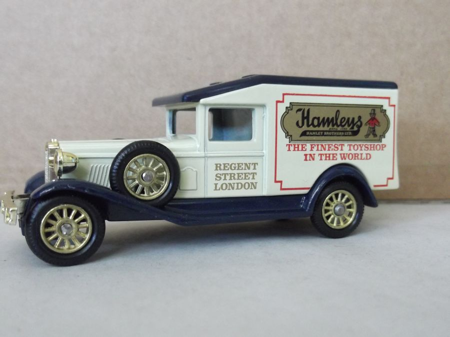 DG18017, Packard, Hamleys