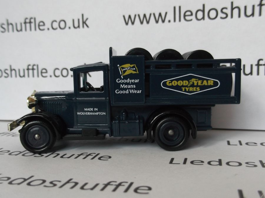 DG20018, Ford Stake Truck, Goodyear Tyres