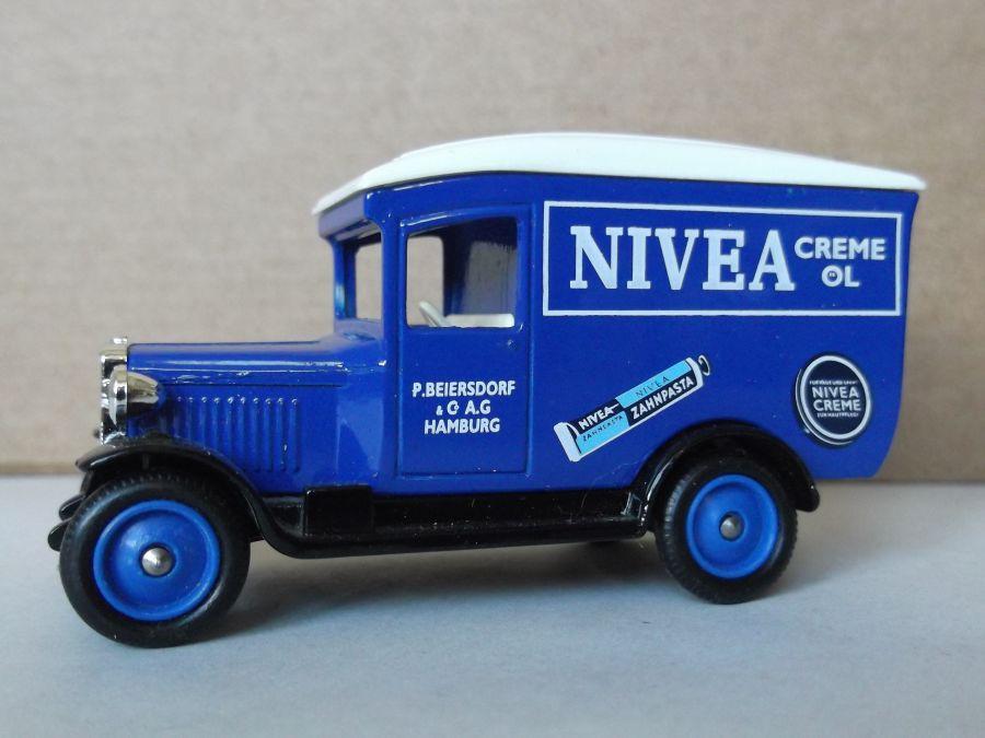 DG21044, Chevrolet Van, Nivea Crème