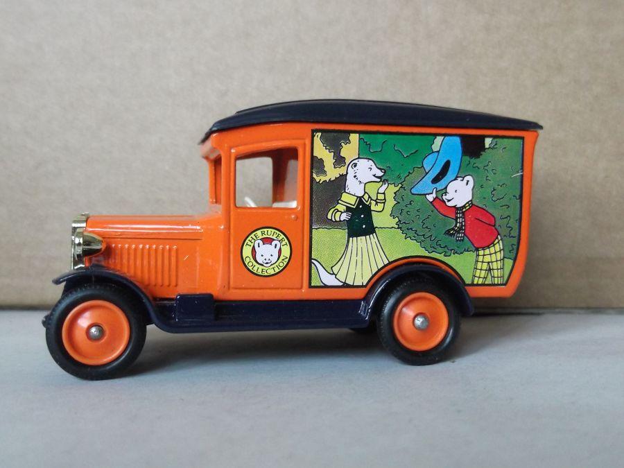 DG21045, Chevrolet Van, Rupert Bear