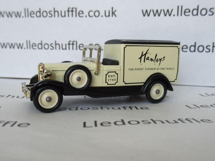 DG22005, Packard Town Van, Hamleys
