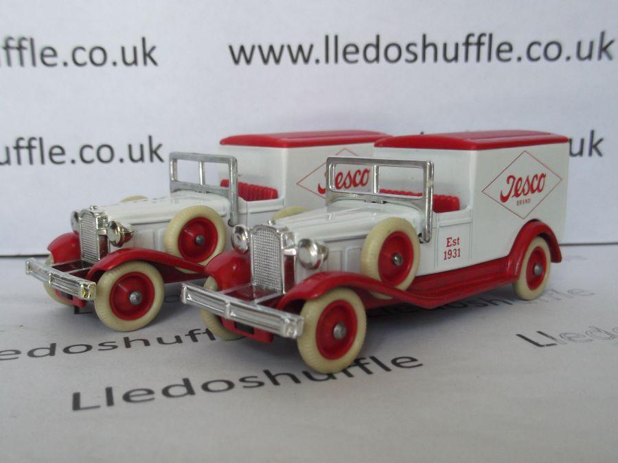 DG22008, Packard Town Van, Tesco