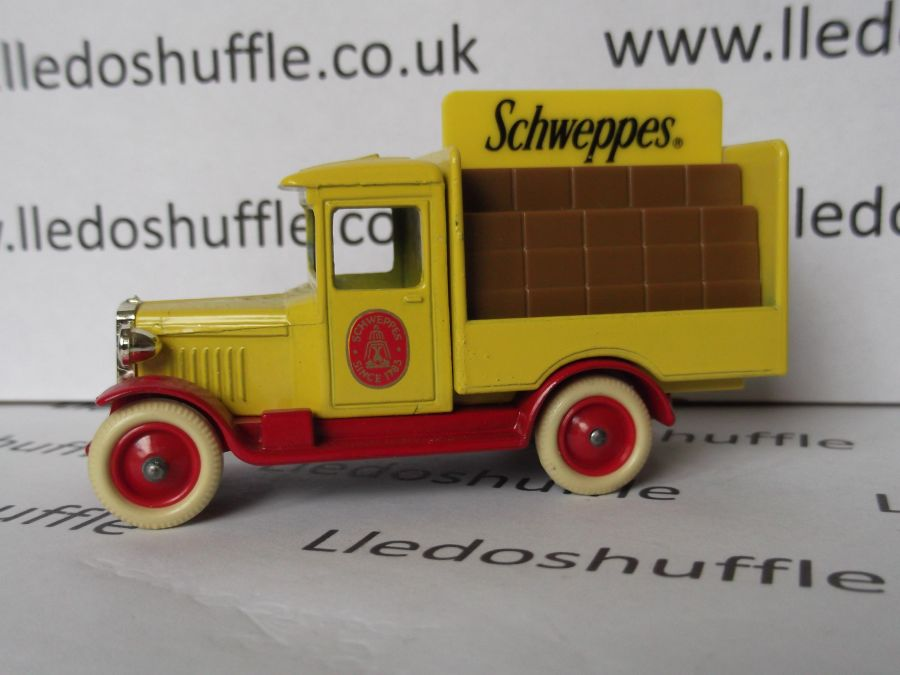 DG26000a, Chevrolet Delivery Vehicle, Schweppes (tan crates)