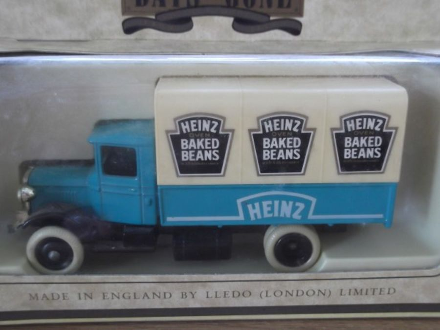 DG28003, Mack Canvas Back Truck, Heinz Baked Beans