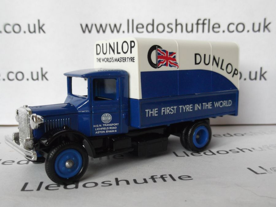 DG28004, Mack Canvas Back Truck, Dunlop Tyres