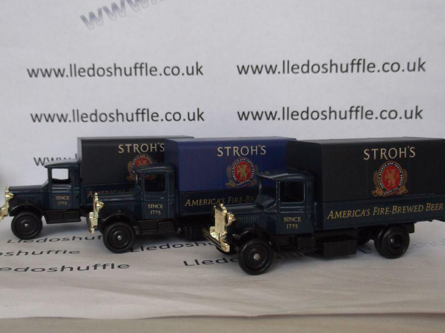 DG28007, Mack Canvas Back Truck, Strohs Beer