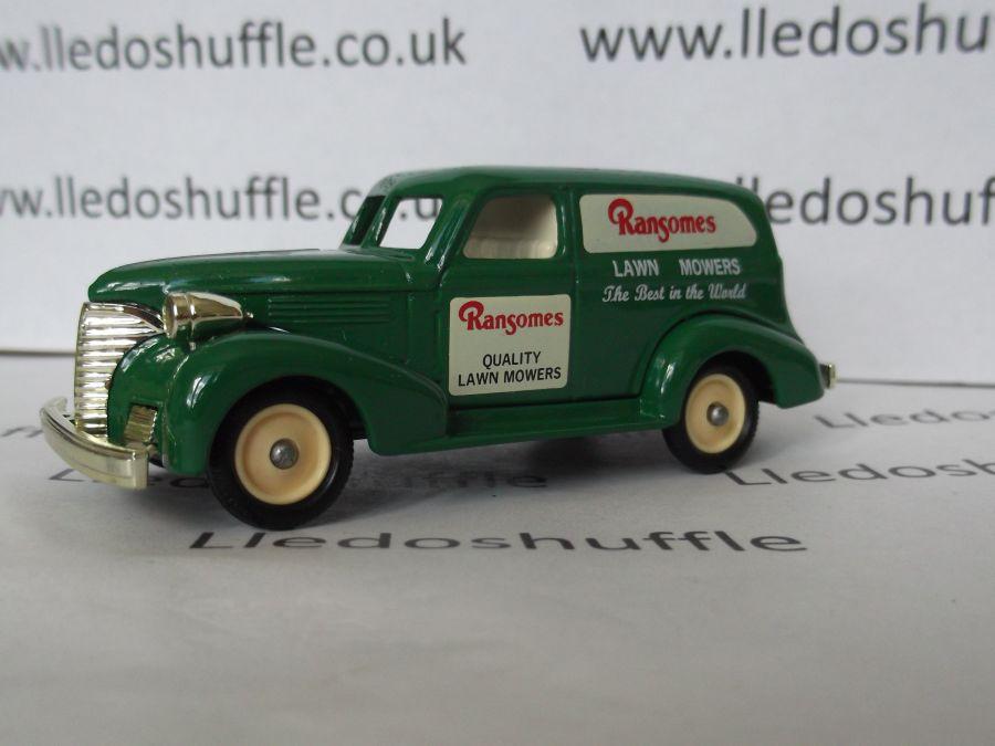 DG30016, Chevrolet Sedan Delivery Van, Ransomes Lawnmowers