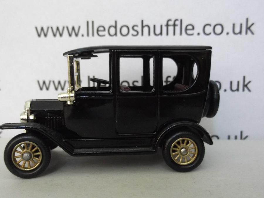 DG33000, Model T Ford Car, Black