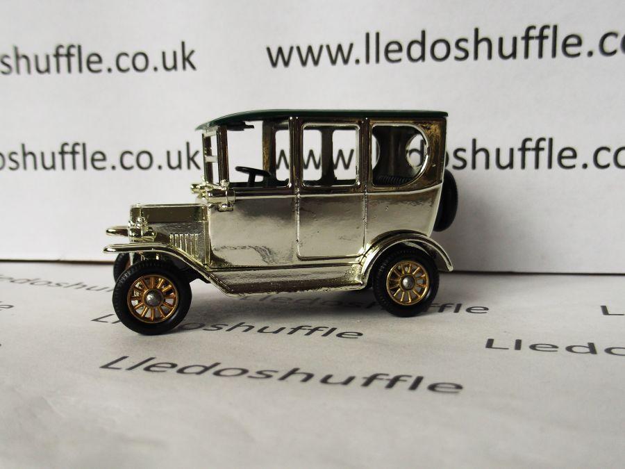 DG33006, Model T Ford Car, Going for Gold