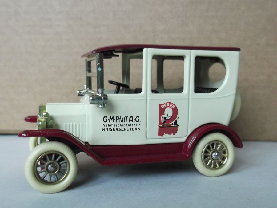 DG33007, Model T Ford Car, Pfaff Sewing Machines
