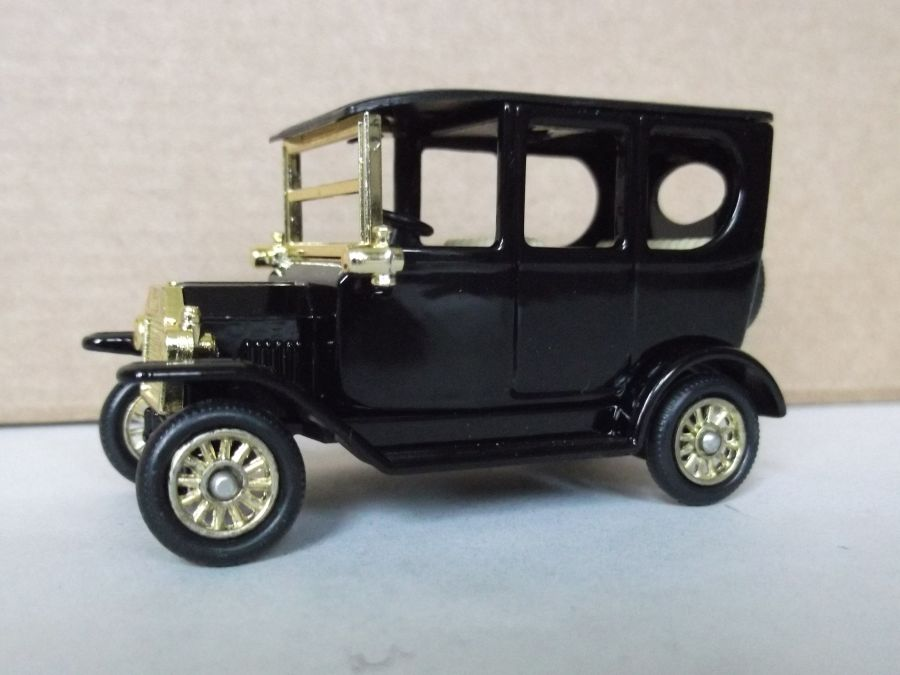 DG33021, Model T Ford Car, Black