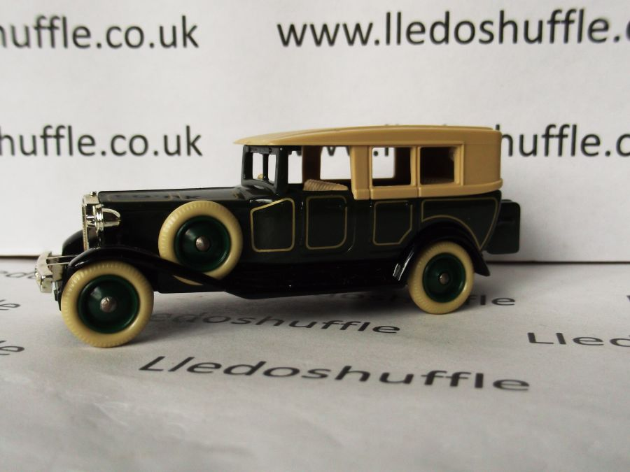 DG38000, Rolls Royce Silver Ghost Saloon, Green with Coach Lines