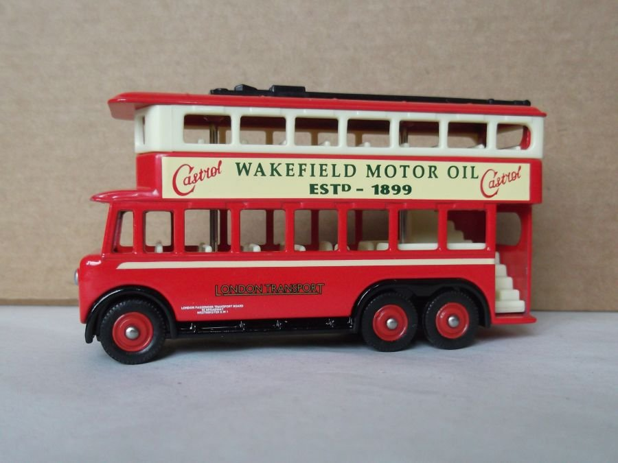 DG41020, Karrier E6 Trolley Bus, London Transport / Wakefield Castrol