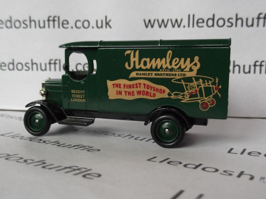 DG43002, Morris Van, Hamleys