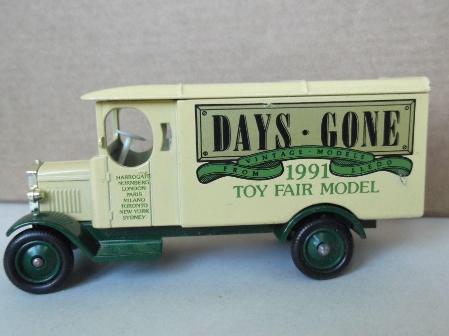 DG43009, Morris Van, 1991 Toy Fair Model