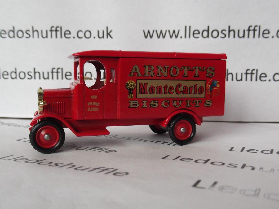 DG43013, Morris Van, Arnotts Biscuits