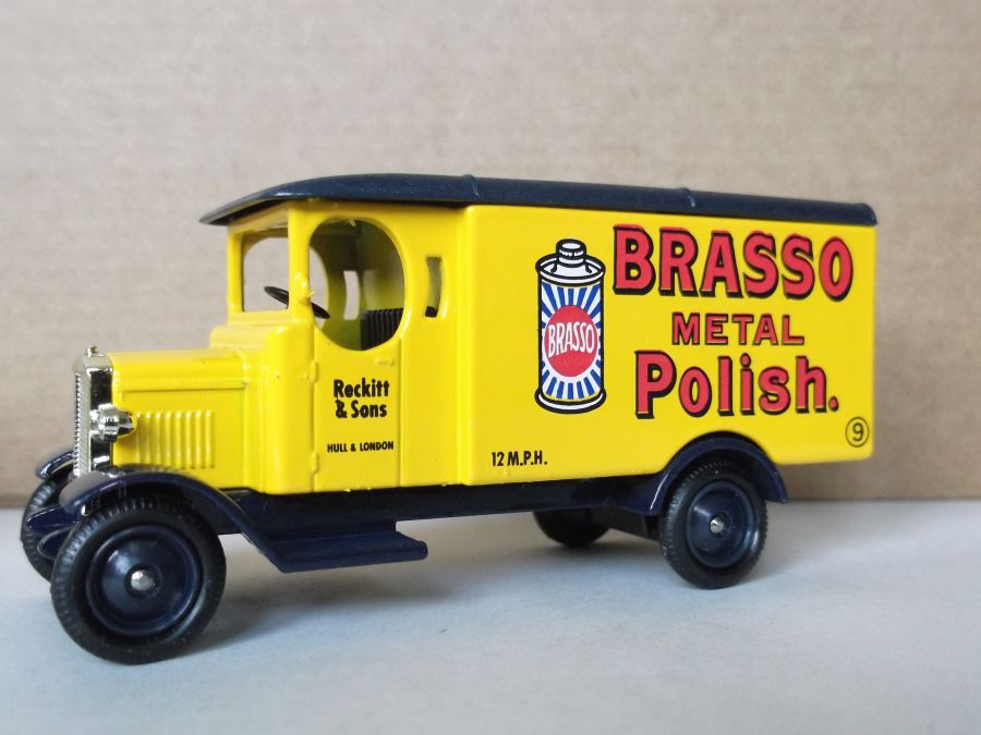 DG43020, Morris Van, Brasso Metal Polish