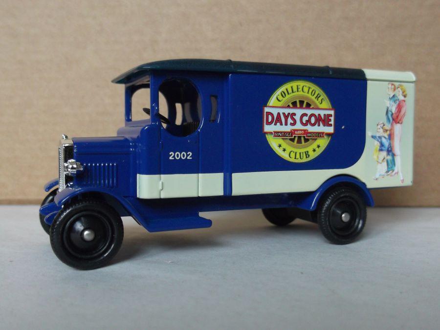 DG43035, Morris Van, Days Gone Collectors Club, 2002 Model