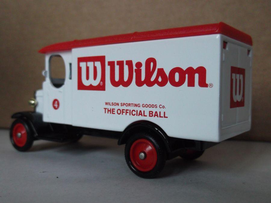 DG43039, Morris Van, Wilson Golf Balls