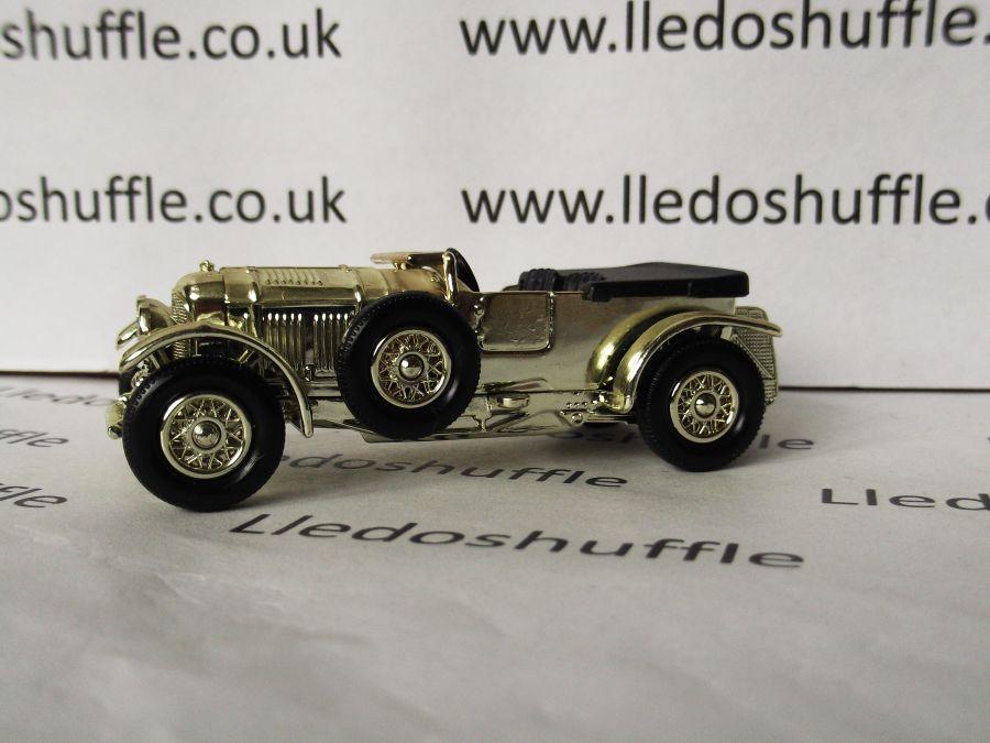 DG46002, Bentley 4.5litre Saloon, Gold, DG Collector model