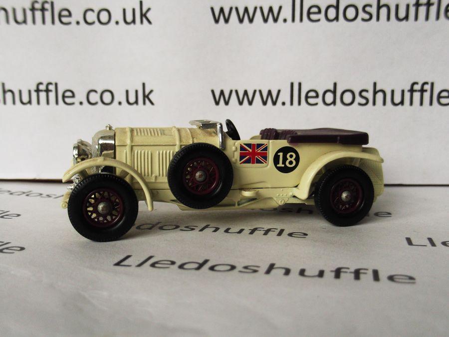 DG46004, Bentley 4.5litre Saloon, Cream, racing number 18