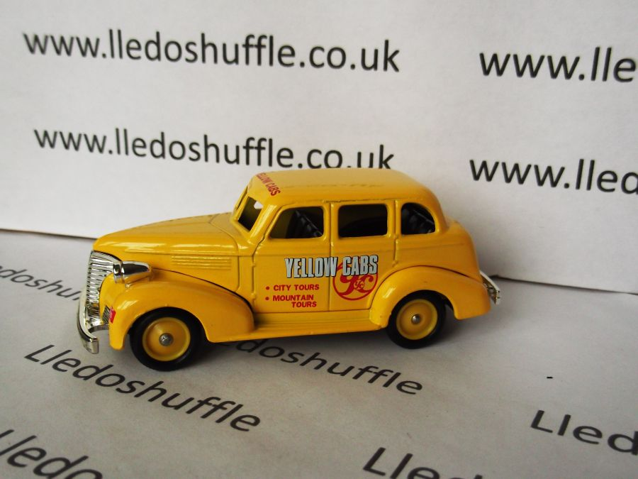 DG48004, Chevrolet Car, Yellow Cabs