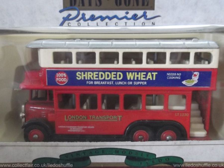 DG49016, AEC Renown D/D Bus, London Transport / Shredded Wheat