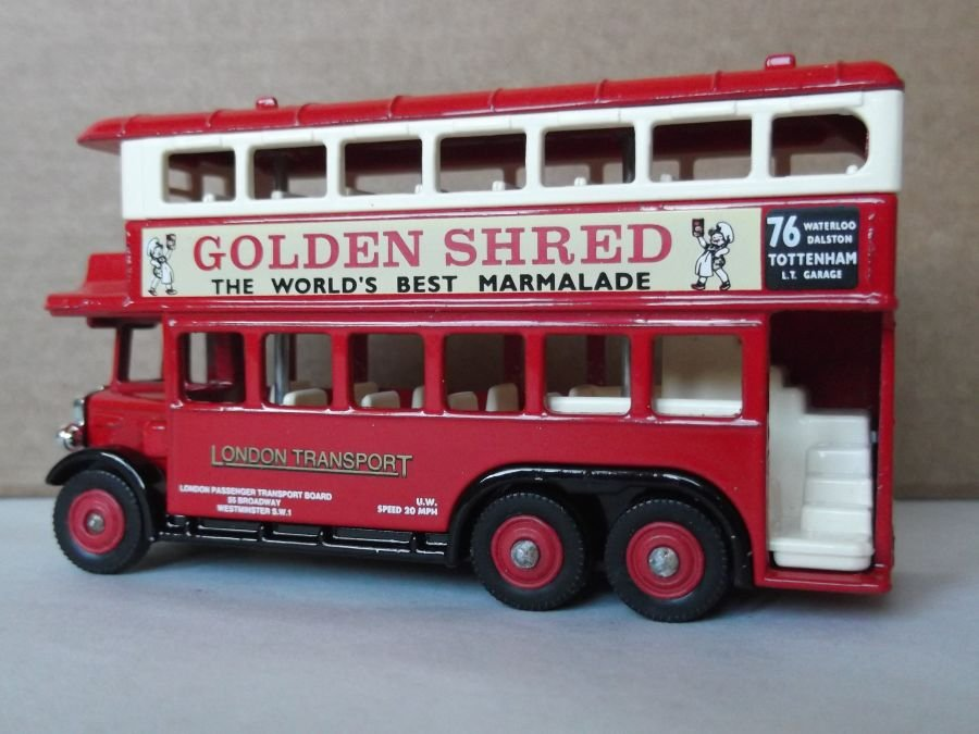 DG49020, AEC Renown D/D Bus, London Transport / Golden Shred