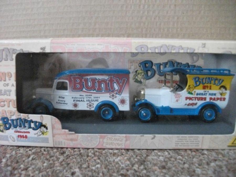BU1002, Bunty Magazine for Girls 2 piece Set