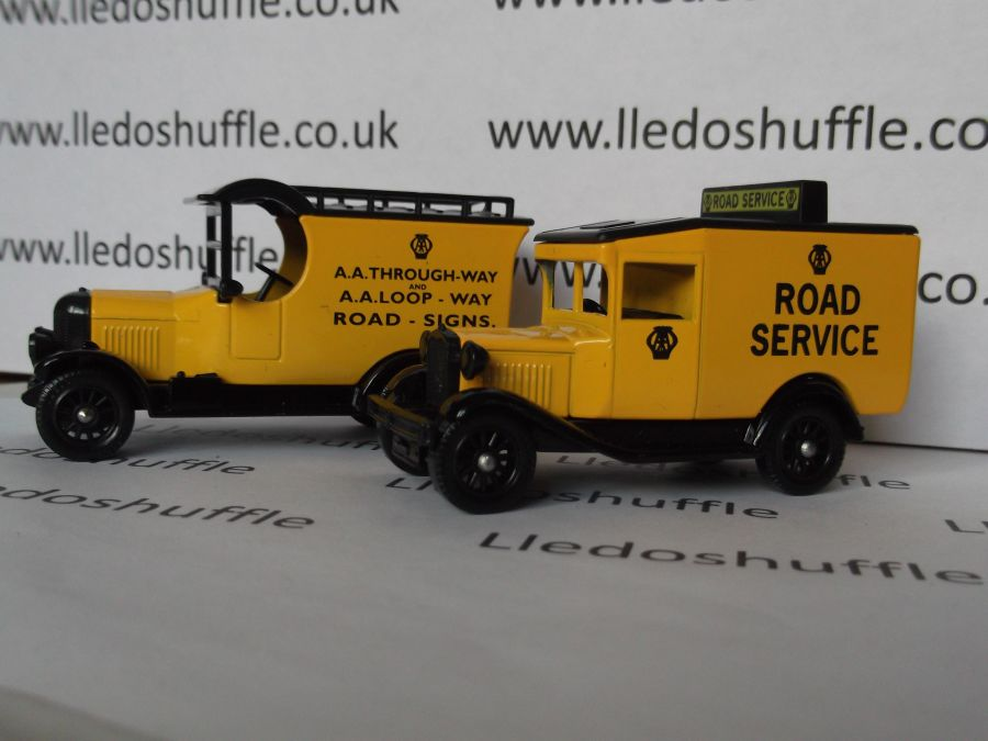 AA Vintage Vehicles, 2 piece set
