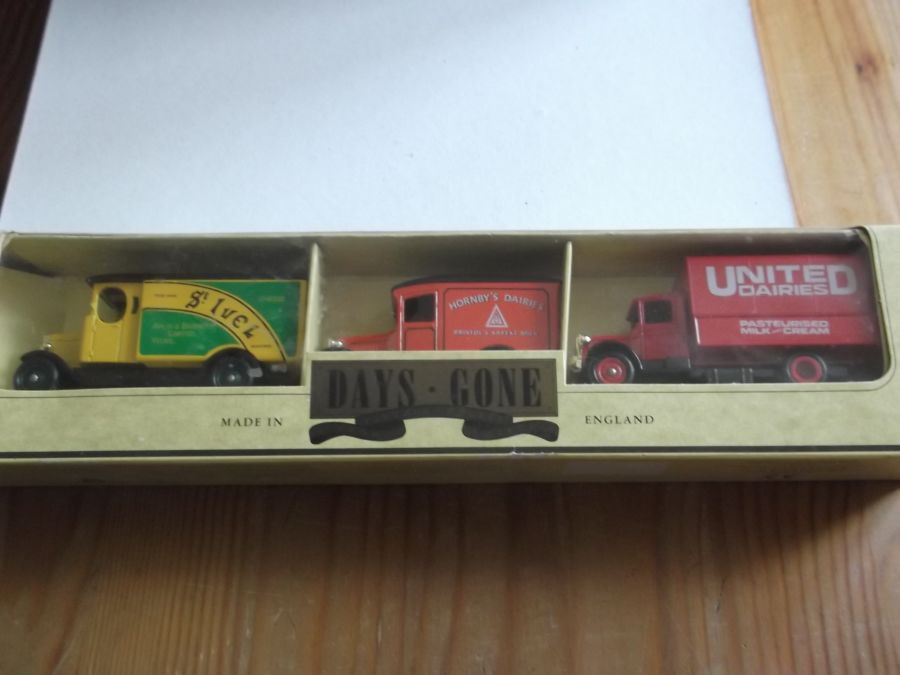 Dairy Themed 3 piece Set 1990, St Ivel, United Dairies, Hornsby's Dairies