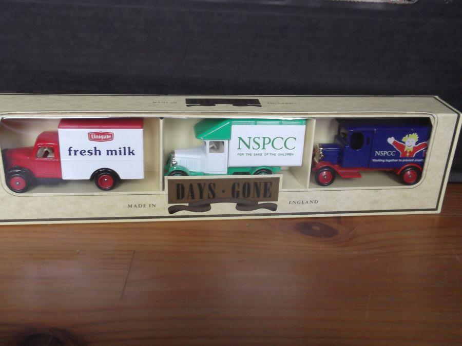 Unigate/NSPCC 3 piece set