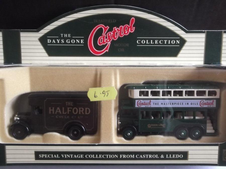 Wakefield Castrol Motor Oil 2 piece Set (LP16128, LP49035)