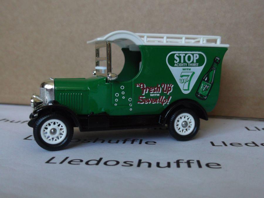 SL50002, Bull Nose Morris Van, 7-Up