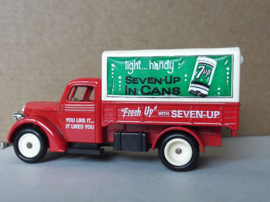 SL70006, Ford Canvas Back Truck, 7-Up