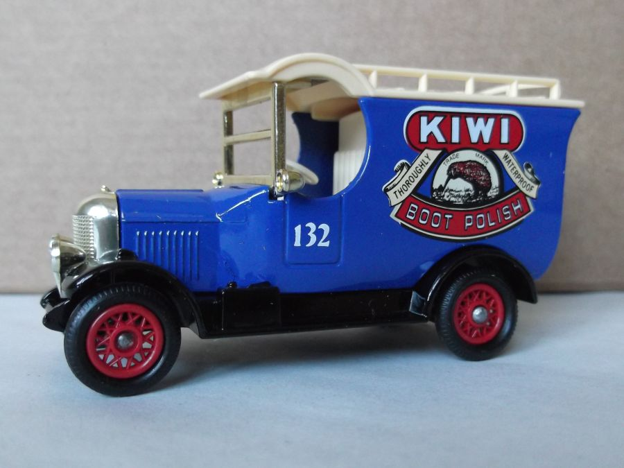 DG50008, Bull Nose Morris Van, Kiwi Boot Polish