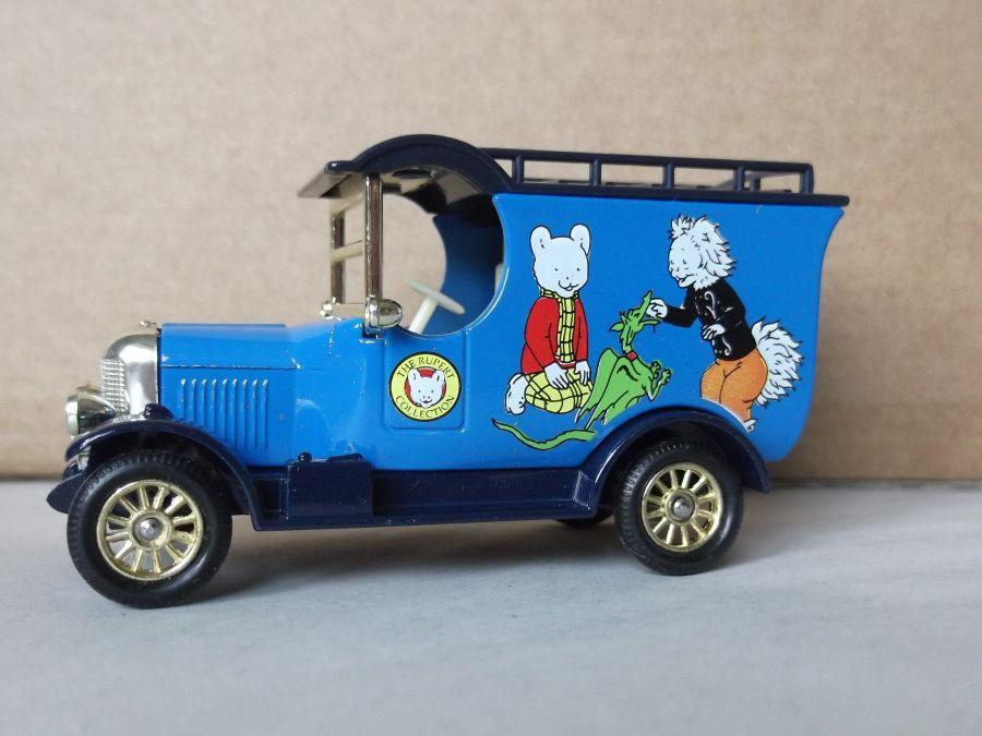 DG50009, Bull Nose Morris Van, Rupert Bear