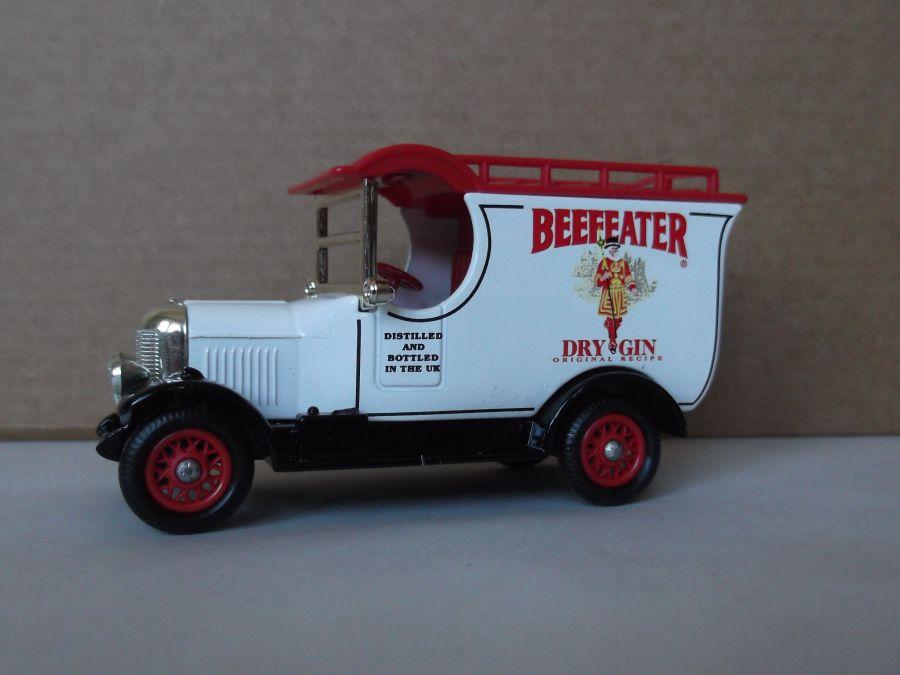 DG50023, Bull Nose Morris Van, Beefeater Gin