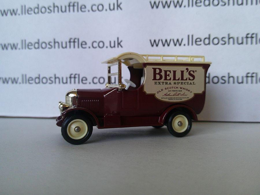 DG50030, Bull Nose Morris Van, Bells Scotch Whisky