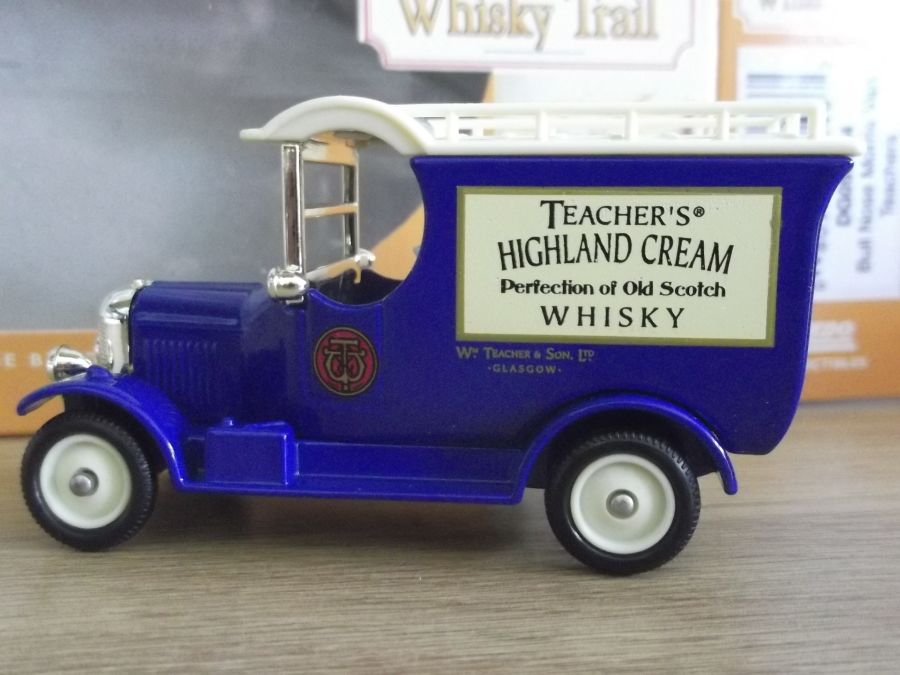 DG50034, Bull Nose Morris Van, Teachers Highland Cream Whisky
