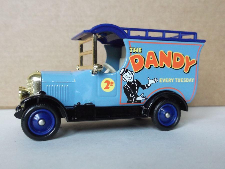 DG50051, Bull Nose Morris Van, The Dandy