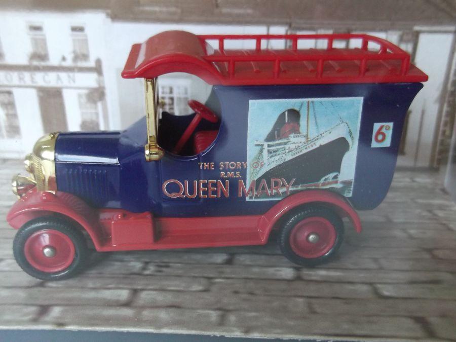 DG50052, Bull Nose Morris Van, RMS Queen Mary