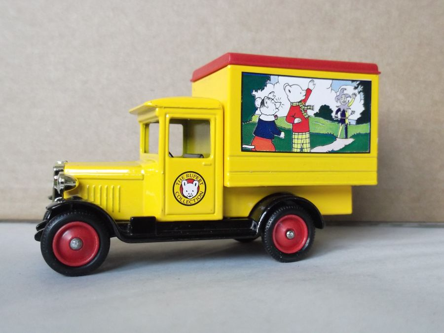 DG51010, Chevrolet Box Van, Rupert Bear