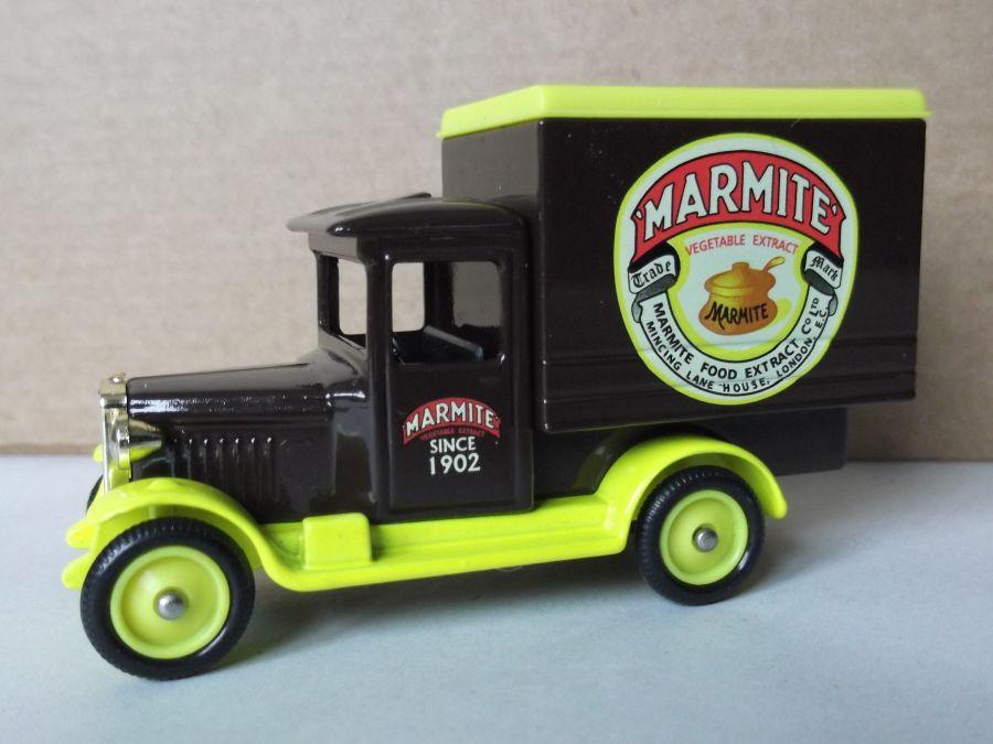 DG51017, Chevrolet Box Van, Marmite