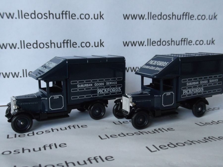 DG52001, Morris Parcels Van, Pickfords
